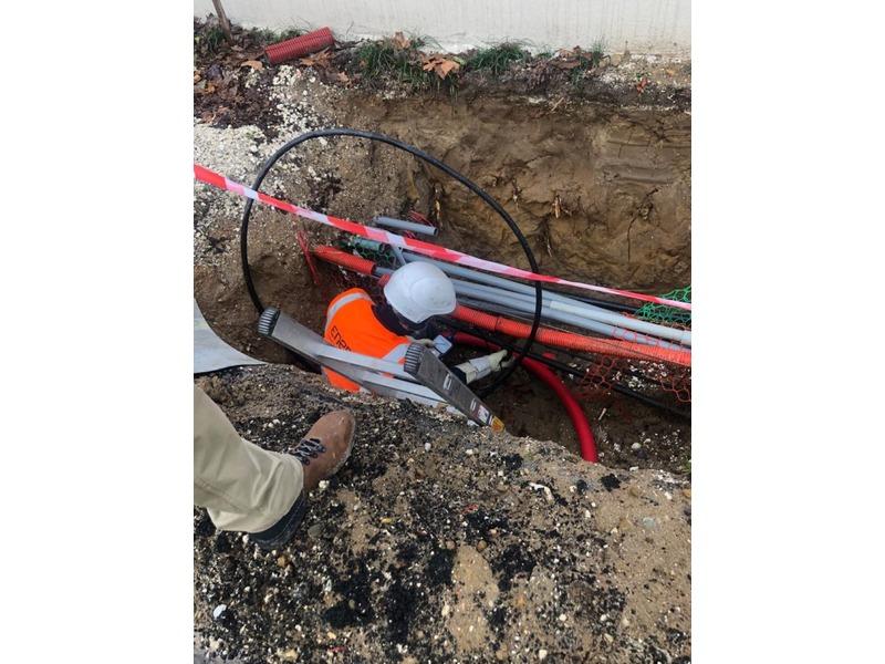 LCI-400 - Live LV low voltage energized cable identifier